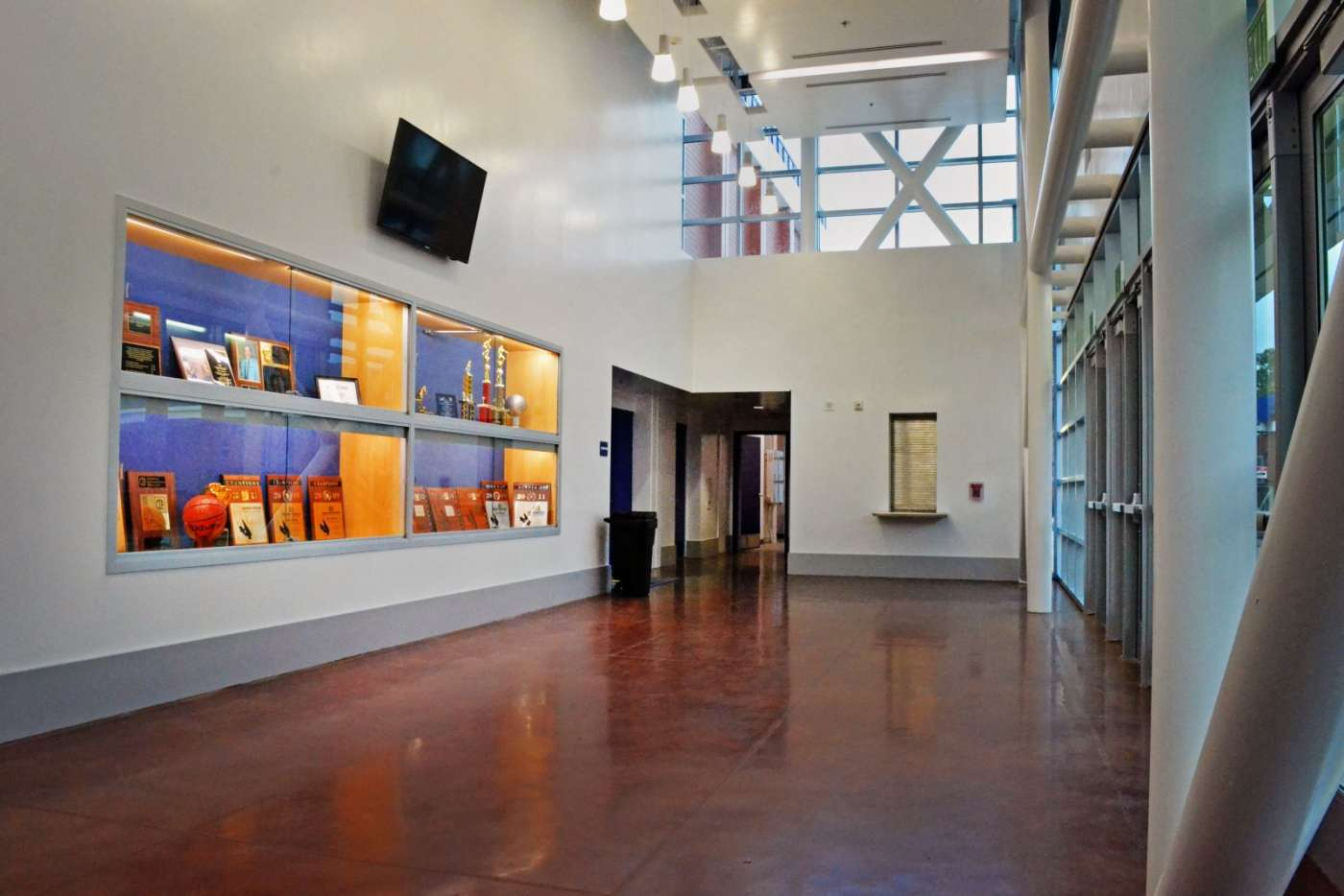 SDHS Gym interior 4-1400