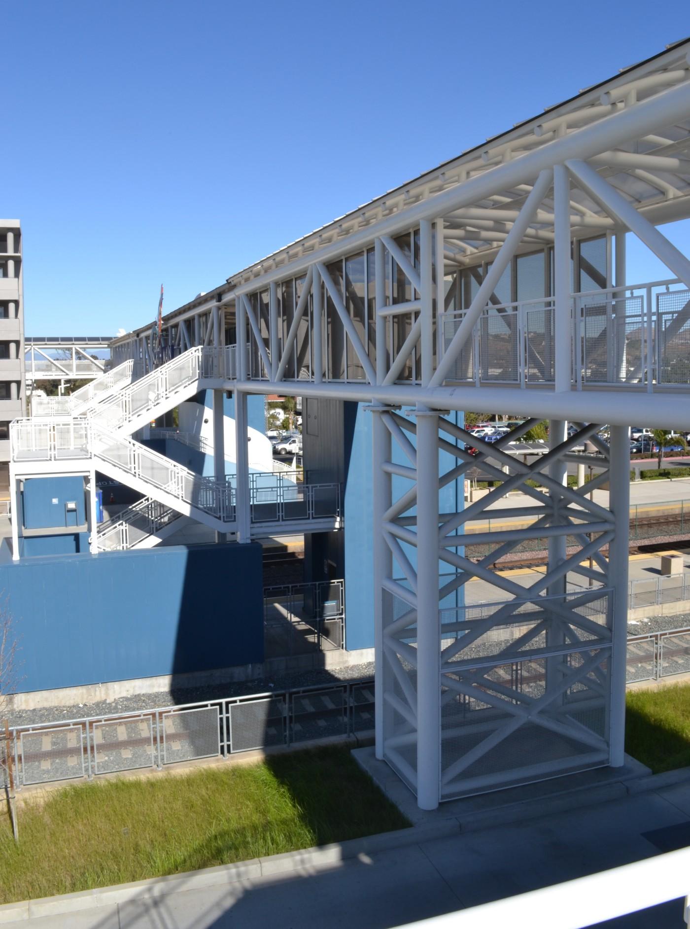coronatransit5-Stationbridge