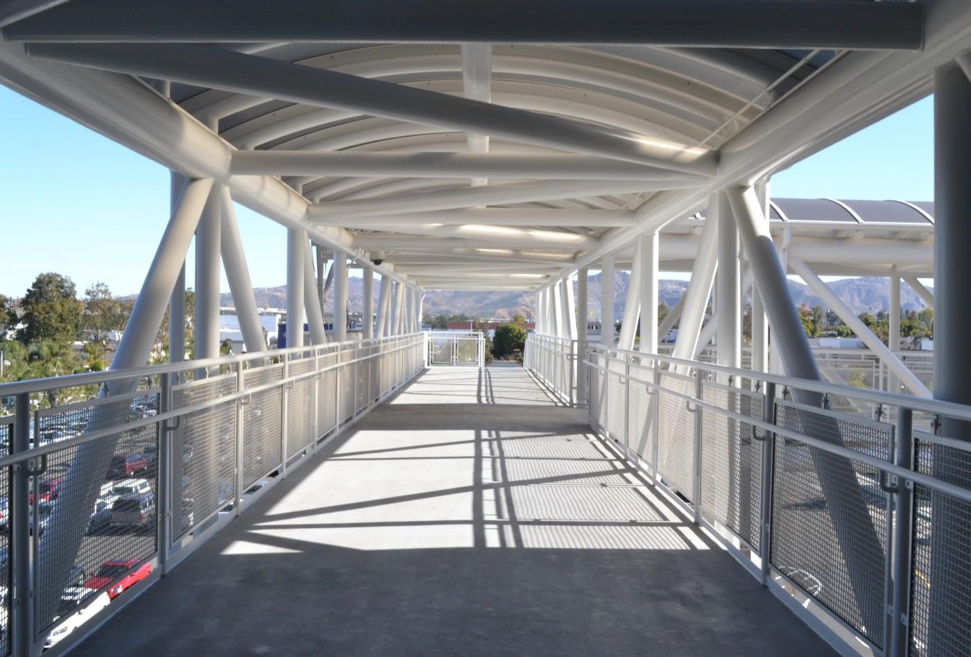 coronatransit6-Stationbridge